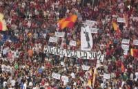 La Sud risponde alla Juve con cori e striscioni (FOTO)