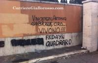 Paparelli, scritte contro il tifoso laziale al Verano. I tifosi della Roma le cancellano