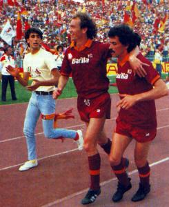 roma-1982-83-olimpico-torino-falcaonappi
