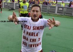 """Totti: """"Mi sento bene e sono a disposizione del tecnico e della squadra. Ora riduciamo il distacco dalla Juve"""""""